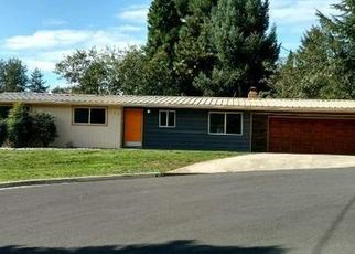 Foreclosed Home in Grants Pass 97526 NW LYNWOOD PL - Property ID: 4351326565