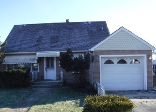 Foreclosed Home in Lansing 60438 RIDGEWOOD AVE - Property ID: 4351944997