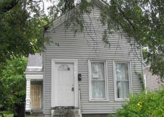 Foreclosed Home in Louisville 40212 CEDAR ST - Property ID: 4352107920