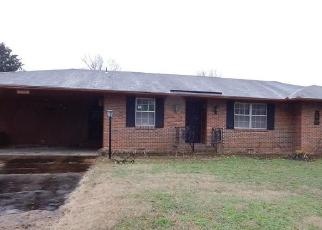 Foreclosed Home in Memphis 38109 DREGER AVE - Property ID: 4352429828
