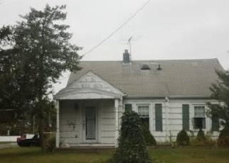 Foreclosed Home in Patchogue 11772 CONKLIN AVE - Property ID: 4352580483