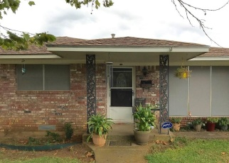Foreclosed Home in Denison 75020 W JOHNSON ST - Property ID: 4352631736