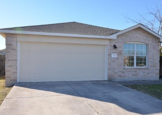 Foreclosed Home in Kyle 78640 INDIAN PAINTBRUSH DR - Property ID: 4352661509