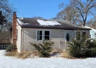 Foreclosed Home in Nesconset 11767 BROWNS RD - Property ID: 4352716249