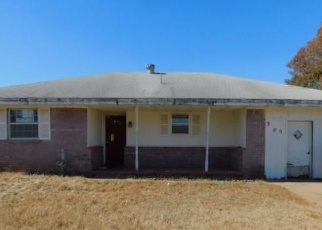 Foreclosed Home in Shawnee 74801 N EASTERN AVE - Property ID: 4352741214