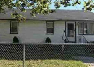 Foreclosed Home in Stratford 06615 SEDGEWICK AVE - Property ID: 4352883111