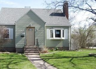 Foreclosed Home in Manchester 06040 MIDDLE TPKE W - Property ID: 4352912918
