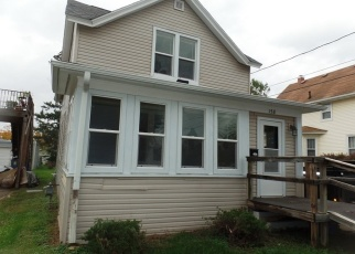Foreclosed Home in Richland Center 53581 E 3RD ST - Property ID: 4353719207