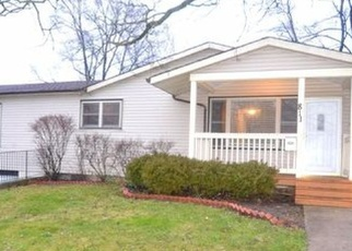 Foreclosed Home in Carpentersville 60110 SALEM LN - Property ID: 4353770907