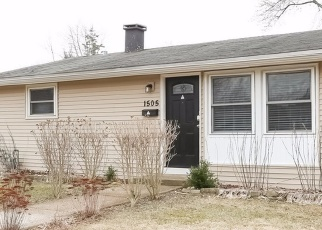 Foreclosed Home in Carpentersville 60110 PAWNEE RD - Property ID: 4353795423
