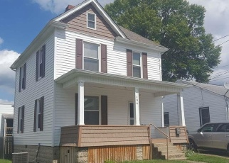 Foreclosed Home in Clarksburg 26301 W WOODLAND AVE - Property ID: 4354340259