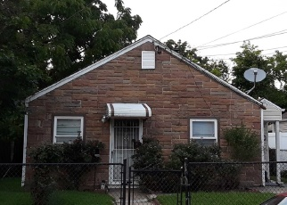 Foreclosed Home in Hempstead 11550 PILOT ST - Property ID: 4354611371