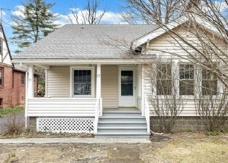 Foreclosed Home in Poughkeepsie 12601 FERRIS LN - Property ID: 4354656476
