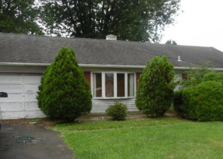 Foreclosed Home in Warminster 18974 HENRY AVE - Property ID: 4354848759