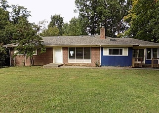 Foreclosed Home in Louisville 40214 DOGWOOD LN - Property ID: 4354908310