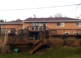 Foreclosed Home in Livonia 48154 BURTON LN - Property ID: 4354992407