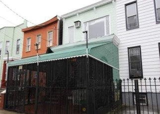 Foreclosed Home in Brooklyn 11208 ESSEX ST - Property ID: 4355092254