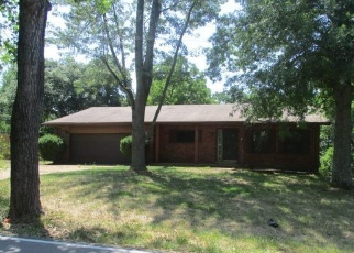 Foreclosed Home in Eureka 63025 TWIN RIVER RD - Property ID: 4355288476