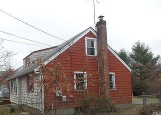 Foreclosed Home in Uniondale 11553 WINTHROP DR - Property ID: 4355384390