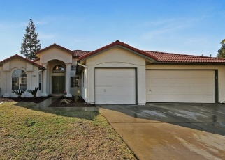 Foreclosed Home in Clovis 93611 BURGAN AVE - Property ID: 4355475942