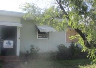 Foreclosed Home in Miami 33161 NE 118TH ST - Property ID: 4355903388