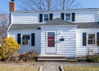 Foreclosed Home in Hicksville 11801 UNDERHILL AVE - Property ID: 4355918726