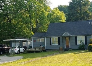 Foreclosed Home in Chattanooga 37412 S SEMINOLE DR - Property ID: 4356026463