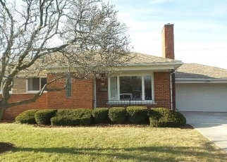 Foreclosed Home in Eastpointe 48021 PETERSBURG AVE - Property ID: 4356438601