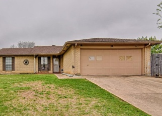 Foreclosed Home in Grand Prairie 75052 MEADOW CIR - Property ID: 4356552918