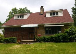 Foreclosed Home in Akron 44320 CRESTVIEW AVE - Property ID: 4357475724
