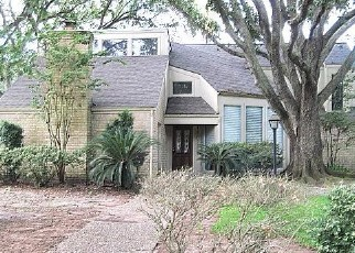 Foreclosed Home in Houston 77084 HOLLYWELL DR - Property ID: 4358096776