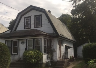 Foreclosed Home in Baldwin 11510 THOMAS AVE - Property ID: 4358130943