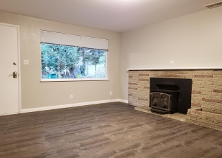 Foreclosed Home in Seattle 98155 8TH AVE NE - Property ID: 4358171219