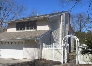 Foreclosed Home in Farmingville 11738 FLEETWOOD DR - Property ID: 4358172536