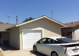 Foreclosed Home in Fresno 93705 N KAVANAGH AVE - Property ID: 4359244700