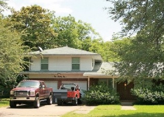 Foreclosed Home in Lancaster 75146 N CREST ST - Property ID: 4359336673