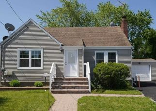 Foreclosed Home in Massapequa 11758 FRANCINE AVE - Property ID: 4359579300