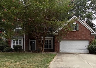 Foreclosed Home in Charlotte 28215 CEDAR POST LN - Property ID: 4360407520