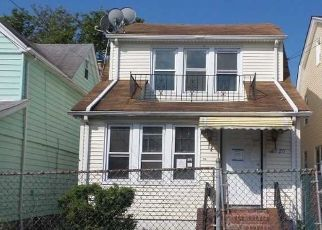 Foreclosed Home in Queens Village 11427 215TH ST - Property ID: 4360673365
