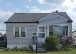 Foreclosed Home in Eastpointe 48021 ROSETTA AVE - Property ID: 4360781997