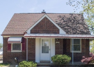 Foreclosed Home in Eastpointe 48021 REDMOND AVE - Property ID: 4361229146