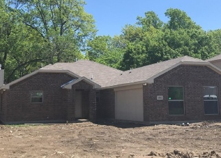 Foreclosed Home in Lancaster 75146 QUAIL HOLLOW DR - Property ID: 4361243163