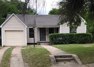 Foreclosed Home in Dallas 75216 FERNWOOD AVE - Property ID: 4361305809