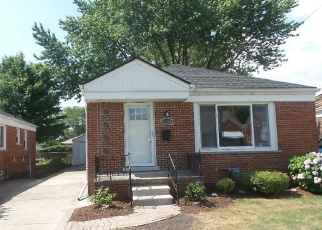 Foreclosed Home in Saint Clair Shores 48080 ALGER ST - Property ID: 4361306229