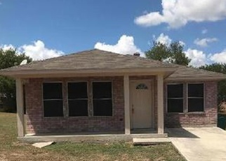 Foreclosed Home in Converse 78109 PENSIVE - Property ID: 4361434115