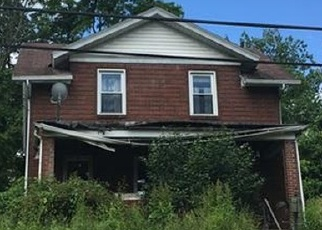 Foreclosed Home in Clairton 15025 PENNSYLVANIA AVE - Property ID: 4361605823
