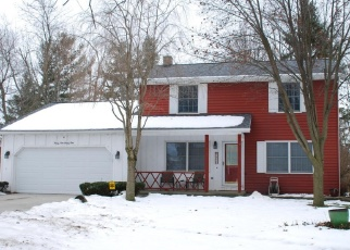 Foreclosed Home in Lansing 48906 DELTA RIVER DR - Property ID: 4361618514