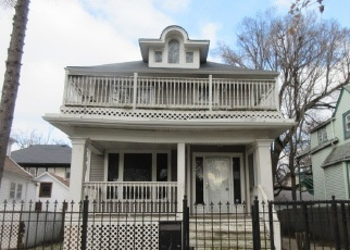 Foreclosed Home in Chicago 60651 W RICE ST - Property ID: 4361925535
