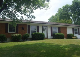 Foreclosed Home in Vinton 24179 MAYWOOD DR - Property ID: 4362065243