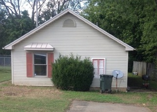 Foreclosed Home in Hopkinsville 42240 CANTON ST - Property ID: 4362145840